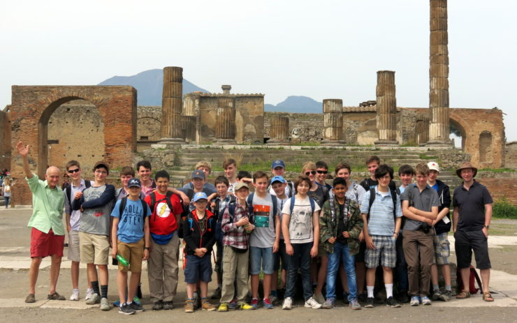 Magdalen College School pupils on A-level Classics Excursion to Pompeii